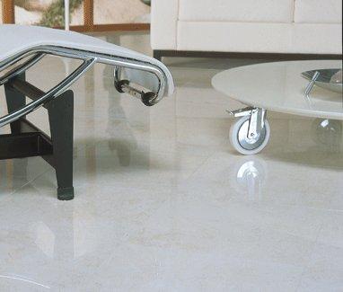 limpeza de piso de  porcelanato